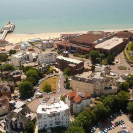 Découvre nos programmes adultes pour ton séjour à Bournemouth