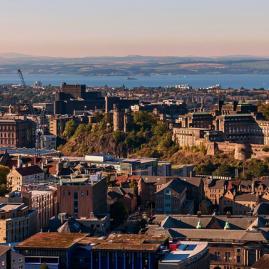 Découvre nos programmes adultes pour ton séjour à Edimbourg