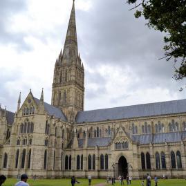 Découvre nos programmes adolescents pour ton séjour à Salisbury