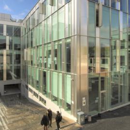 Fais tes études supérieures  à Copenhagen School of Design and Technology au Danemark