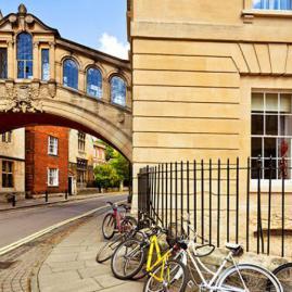 Découvre nos programmes adultes pour ton séjour à Oxford