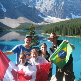 Découvre nos programmes adultes pour un séjour en immersion au Canada.